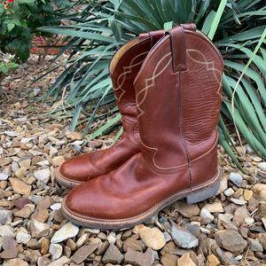 Vintage Justin round toe cowboy boots